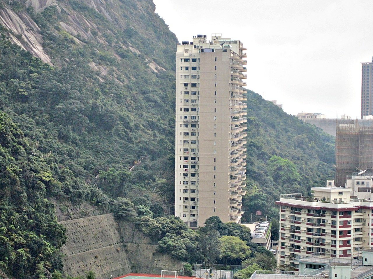 Pearl Gardens Mid Levels West Apartment For Sale