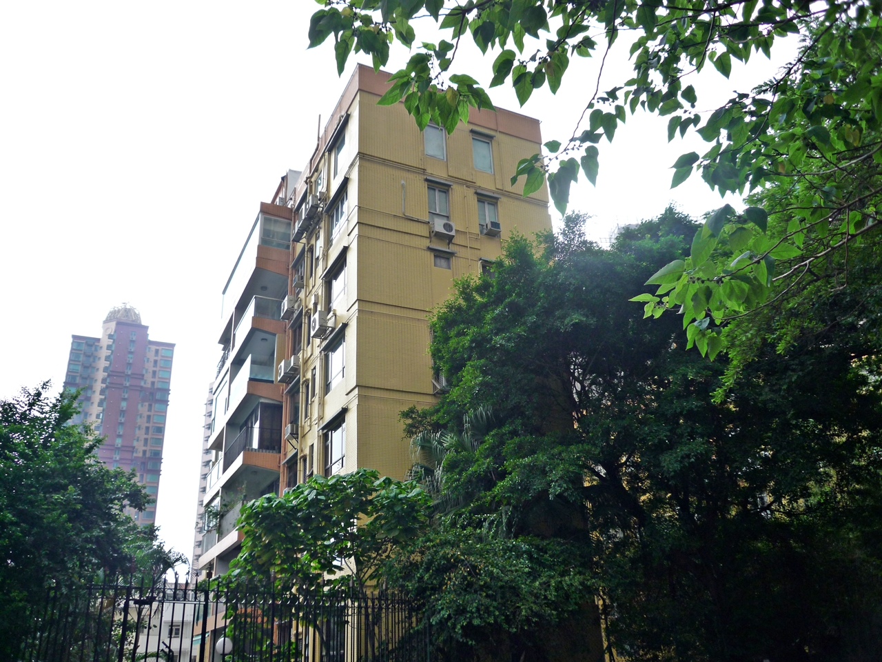 Woodland Gardens Mid Levels West Apartment For Sale