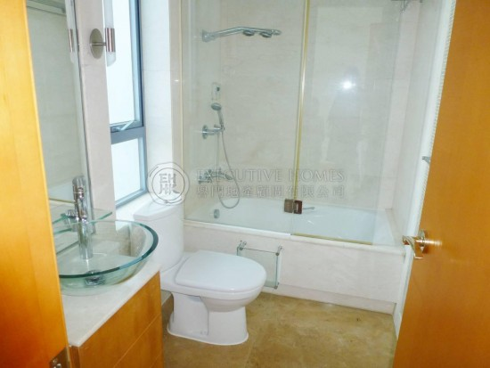 Guest Bathroom Ideas With Pleasant Atmosphere: Bel-Air On The Peak, Pokfulam Apartment For Rent